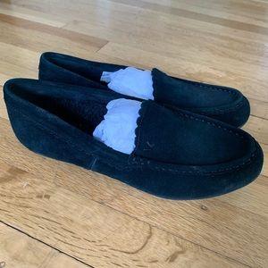 Vionic Shoes - Vionic Black McKenzie Slippers